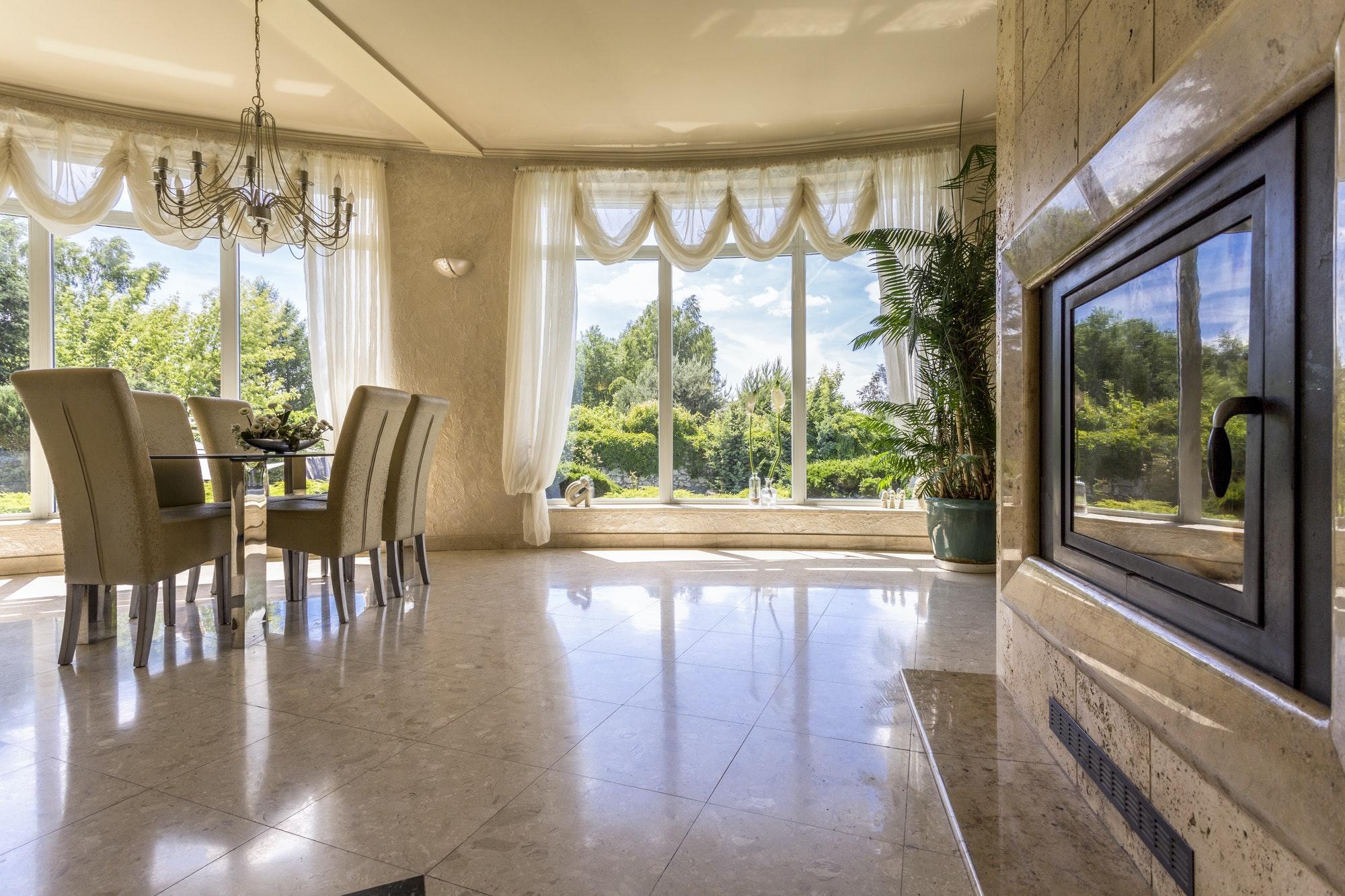 Spacious dinning room with windows